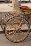 Κύκλος και γραμμή από το ξύλο Στοκ φωτογραφία με δικαίωμα ελεύθερης χρήσης