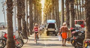 Κύκλος ποδηλατών σε μια πορεία ποδηλάτων θαλασσίως στοκ εικόνες