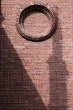 Κύκλος σε έναν τουβλότοιχο, στοκ εικόνα