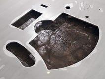 Κύκλος διακοπής λέιζερ ανοξείδωτου φουτουριστικός, διακοπή μορφής στοκ φωτογραφία
