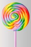 Κύκλος lollipop με τους ζωηρόχρωμους στροβίλους ουράνιων τόξων Στοκ Εικόνες