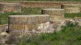 Κύλινδροι τούβλου μέσα στο φρούριο τουβλότοιχος απόθεμα βίντεο
