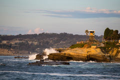 Κύματα ακτών Καλιφόρνιας στοκ φωτογραφίες με δικαίωμα ελεύθερης χρήσης