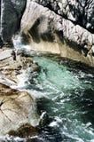 κύματα βράχων Στοκ εικόνα με δικαίωμα ελεύθερης χρήσης