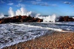κύματα βράχων Στοκ εικόνες με δικαίωμα ελεύθερης χρήσης