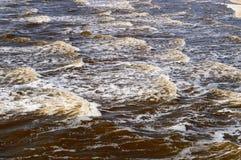 Κύματα εισερχόμενος Ατλαντικός Ωκεανός στοκ εικόνα με δικαίωμα ελεύθερης χρήσης