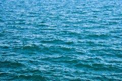 Κύματα θάλασσας, θαλάσσιο νερό υποβάθρου, επιφάνεια θάλασσας Στοκ Φωτογραφίες