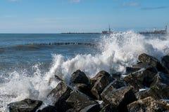 Κύματα θάλασσας στην ακτή Μαύρης Θάλασσας, Poti, Γεωργία Στοκ εικόνες με δικαίωμα ελεύθερης χρήσης