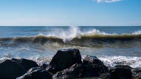 Κύματα θάλασσας στην ακτή Μαύρης Θάλασσας, Poti, Γεωργία Στοκ Φωτογραφίες