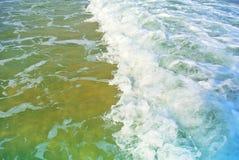 Κύματα θάλασσας της Μεσογείου Ισραήλ Στοκ φωτογραφία με δικαίωμα ελεύθερης χρήσης