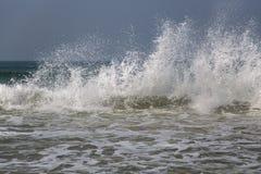 Κύματα θάλασσας σε Anjuna, Goa Στοκ φωτογραφία με δικαίωμα ελεύθερης χρήσης