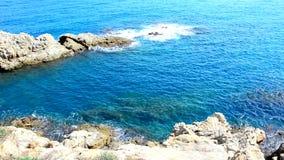 Κύματα θάλασσας στην ακτή φιλμ μικρού μήκους