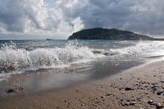 κύματα θύελλας ακτών Στοκ Εικόνες