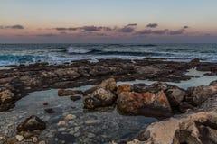 Κύματα και βράχοι Στοκ Φωτογραφία