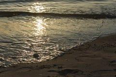 Κύματα και παραλία θάλασσας Στοκ Εικόνες