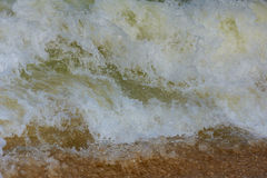 Κύματα στα ωκεάνια καταβρέχοντας κύματα Στοκ Φωτογραφίες
