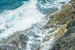 Κύματα στα ωκεάνια καταβρέχοντας κύματα Andaman Phuket Ταϊλάνδη Στοκ φωτογραφίες με δικαίωμα ελεύθερης χρήσης