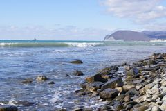 Κύματα στην ακτή Στοκ φωτογραφίες με δικαίωμα ελεύθερης χρήσης