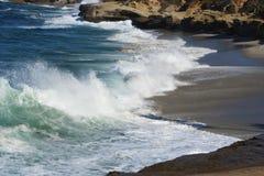 Κύματα στην παραλία 1 Στοκ φωτογραφία με δικαίωμα ελεύθερης χρήσης
