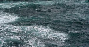 Κύματα στον Ατλαντικό Ωκεανό, Πόρτο Moniz, νησί Πορτογαλία της Μαδέρας, σε αργή κίνηση απόθεμα βίντεο