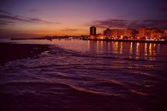 Κύματα στο ηλιοβασίλεμα Στοκ εικόνα με δικαίωμα ελεύθερης χρήσης