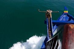 Κύματα στο τόξο Στοκ εικόνα με δικαίωμα ελεύθερης χρήσης