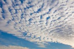 Κύματα των σύννεφων στον ουρανό Στοκ εικόνες με δικαίωμα ελεύθερης χρήσης