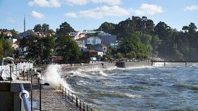 Κύματα τ στην παραλία Santa Cruzt, Santa Cruz Bigs σε Santa Cruz Γαλικία, Ισπανία Στοκ εικόνες με δικαίωμα ελεύθερης χρήσης
