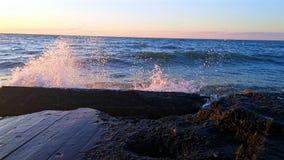 Κύματα Στοκ φωτογραφίες με δικαίωμα ελεύθερης χρήσης