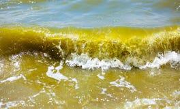 κύμα θαλασσοταραχών συντριβών Στοκ φωτογραφία με δικαίωμα ελεύθερης χρήσης