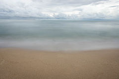 Κύμα στην παραλία Στοκ φωτογραφία με δικαίωμα ελεύθερης χρήσης