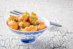 Κύπελλο κοτόπουλου λεμονιών στοκ εικόνα με δικαίωμα ελεύθερης χρήσης