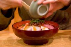 κύπελλο που τρώει sashimi ρυζιού Στοκ Φωτογραφία