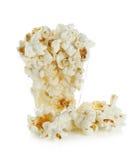 Κύπελλο γυαλιού με popcorn στο άσπρο υπόβαθρο Στοκ φωτογραφίες με δικαίωμα ελεύθερης χρήσης