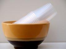 Κύπελλο και πλαστικά φλυτζάνια Στοκ Εικόνα