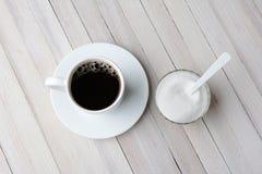 Κύπελλο καφέ και ζάχαρης Στοκ Φωτογραφία