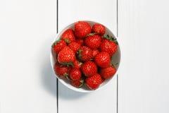 Κύπελλο της τοπ άποψης φραουλών Στοκ εικόνα με δικαίωμα ελεύθερης χρήσης
