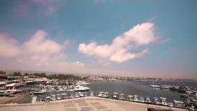 Κύπρος, Ελλάδα, σκάφη αναψυχής και αλιευτικά σκάφη στο λιμάνι, αλιευτικά σκάφη κοντά στην αποβάθρα, χώρος στάθμευσης βαρκών, διάφ απόθεμα βίντεο