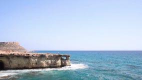 Κύπρος - η θάλασσα ανασκάπτει κοντά σε Agia Napa φιλμ μικρού μήκους