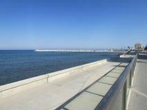 Κύπρος, Λάρνακα, το ανάχωμα, η Μεσόγειος στοκ φωτογραφία με δικαίωμα ελεύθερης χρήσης