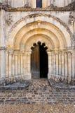 Κύρια πόρτα του Petit Palais et της romanesque εκκλησίας Gironde Φ Cornemp Στοκ Φωτογραφίες