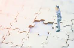 Κύρια στρατηγική σχεδίων του επιτυχούς επιχειρησιακού ηγέτη και της έννοιας ομαδικής εργασίας στοκ εικόνες