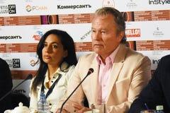 Κύρια συνέντευξη τύπου κριτικών επιτροπών ανταγωνισμού του διεθνούς φεστιβάλ ταινιών της 40ης Μόσχας στοκ εικόνες