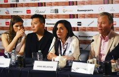 Κύρια συνέντευξη τύπου κριτικών επιτροπών ανταγωνισμού του διεθνούς φεστιβάλ ταινιών της 40ης Μόσχας στοκ εικόνες με δικαίωμα ελεύθερης χρήσης