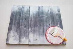 Κύρια χρώματα η επιτροπή με το άσπρο χρώμα Δημιουργήστε το fotofone για τη διαφήμιση από το ξύλο Τονισμός της επιτροπής με το άσπ στοκ εικόνες