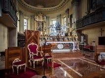 Κύριοι βωμός και πολυθρόνα του ιερέα της Σάντα Μαρία στο Πόρτο μέσα Στοκ Εικόνα