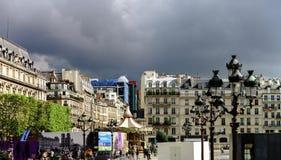 Κύριο άρθρο, στις 13 Μαΐου 2016: Παρίσι, Γαλλία Παραδοσιακό stree του Παρισιού Στοκ Εικόνες