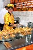 Κύριο μαγειρεύοντας γλυκό Στοκ εικόνες με δικαίωμα ελεύθερης χρήσης