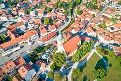 Κύριο τετράγωνο Samobor και εναέρια άποψη πύργων εκκλησιών στοκ φωτογραφία με δικαίωμα ελεύθερης χρήσης