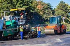 Κύλινδρος μηχανών οδικής εμφανιμένος ασφάλτου Στοκ Φωτογραφία